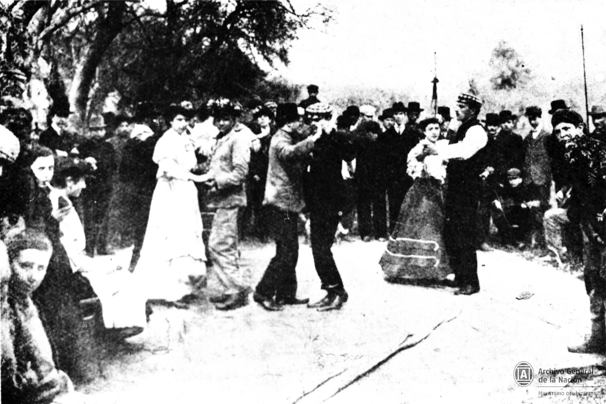 """Buenos Aires. """"Bailando tango en Palermo Archivo General de Nación 1890"""""""