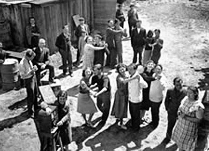 Baile en un barrio popular de Buenos Aires. 1935