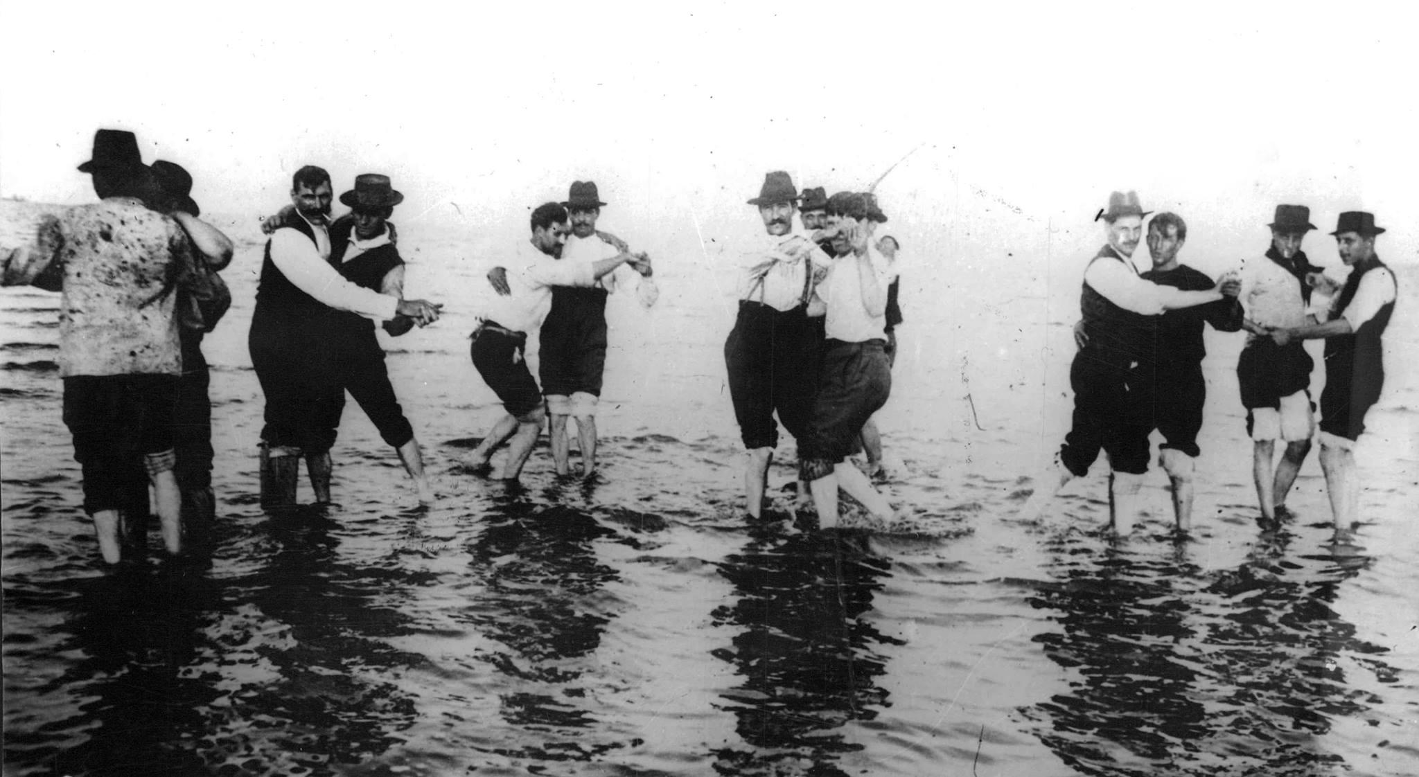 Buenos Aires: Striking Railway Workers in 1912