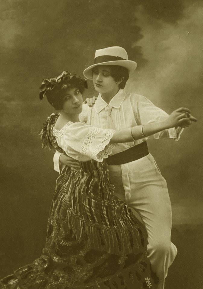 Vintage ladies dancing the tango 1920